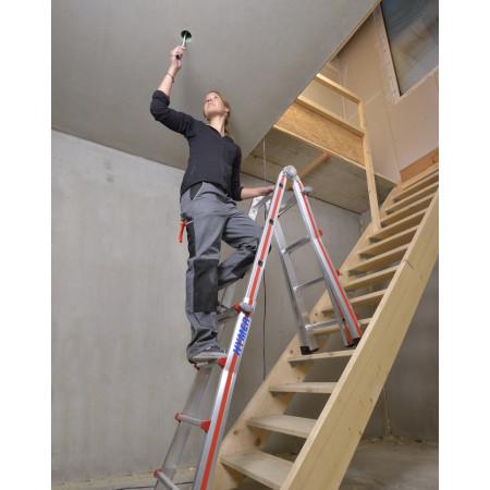 Grösse 4×4 beim Einsatz auf einer Treppe
