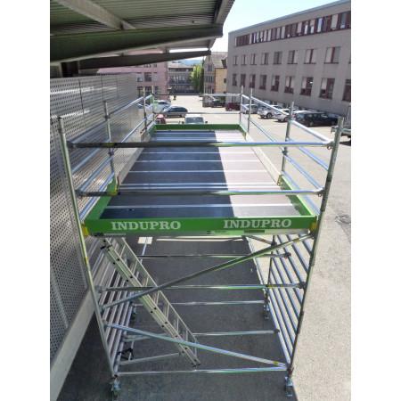 Mobile Podeste von 6 - 19 m2 sind in der Praxis realisierbar.