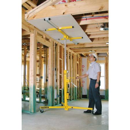 MDF-Platte unter einer horizontalen Decke montieren