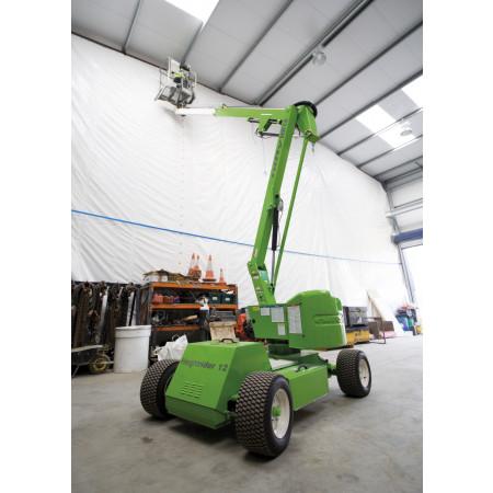 Seitliche Reichweite (Ausladung ab Zentrum der Maschine): 6.10 m