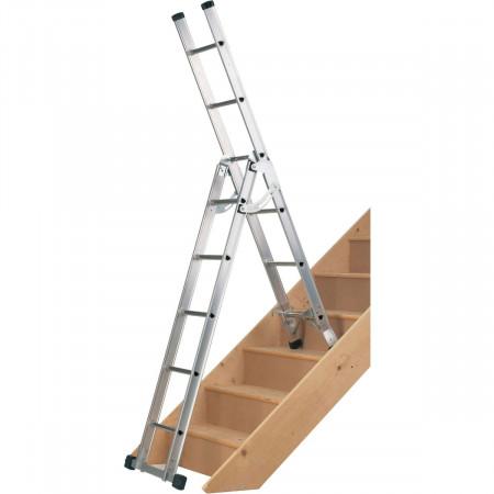 4) Stehleiter auf Treppe montiert