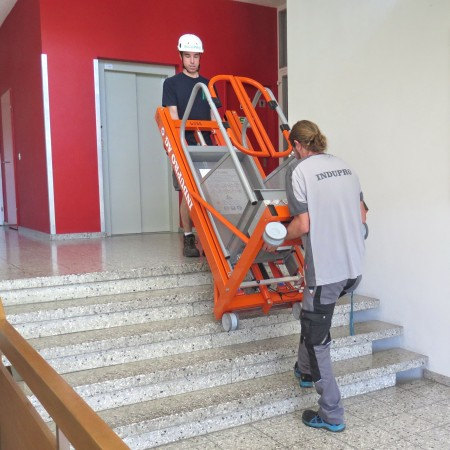 Kann mit 80 kg Eigengewicht auch über die Treppe transportiert werden