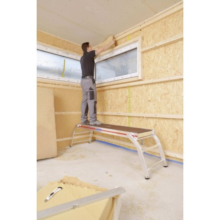 Die Montageplattform in der Anwendung beim Innenausbau