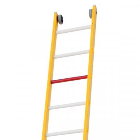 ... und 2 Wandrollen am oberen Leiterende.