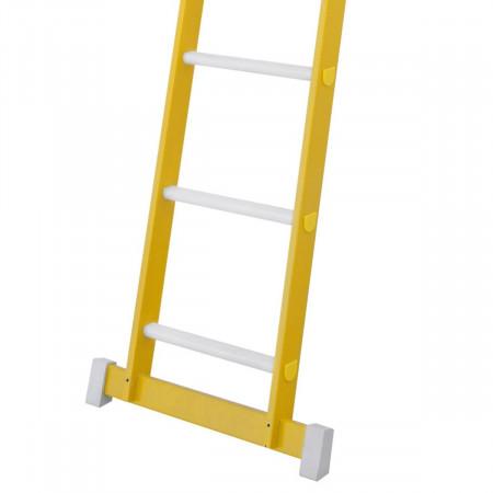 Alle Grössen mit Traverse, deren Breite variiert je nach Grösse der Leiter.